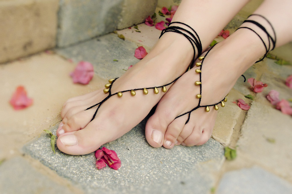 oriental-barefoot-sandals
